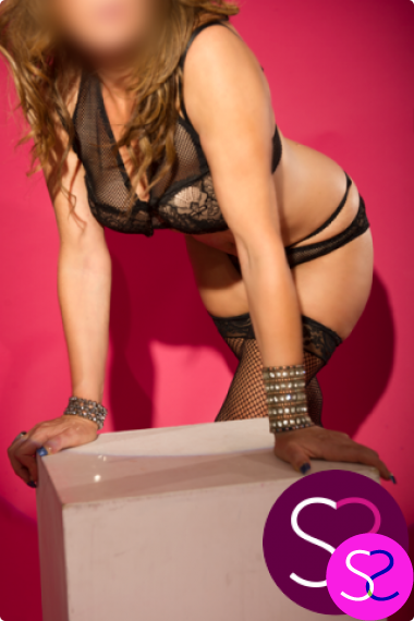Georgia is a confident, Northwest escort with a boldly seductive charm